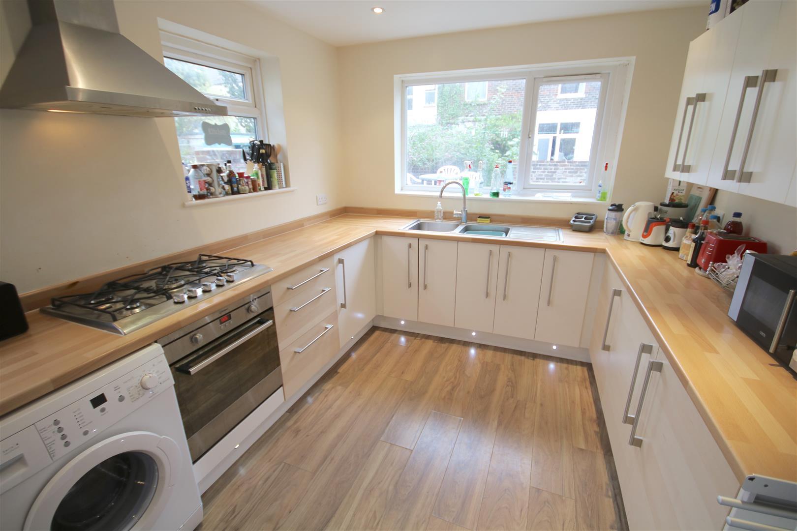6 Bedrooms Terraced House for rent in Bramshott Road, Southsea
